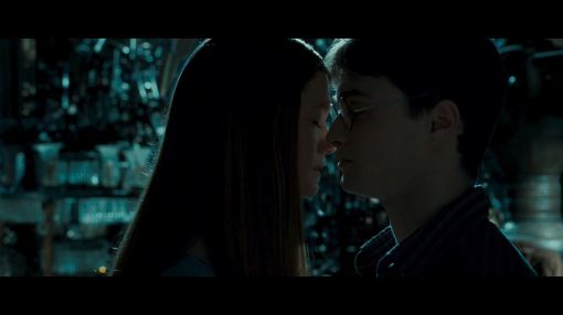 Ginny and Harry kiss